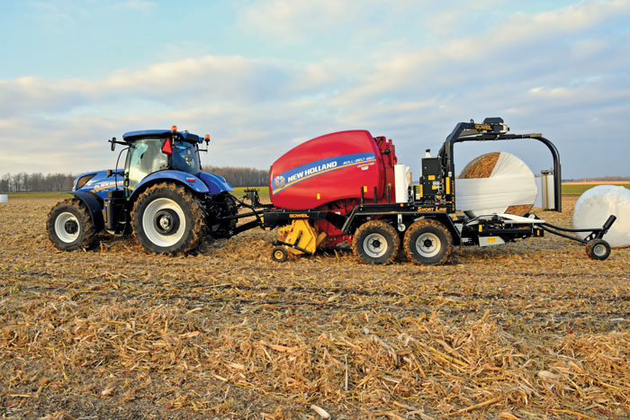 New-Holland-Agriculture-Roll-Belt-Round-Baler-with-Goweil-Kombi-Bale-Wrapper_1118-copy
