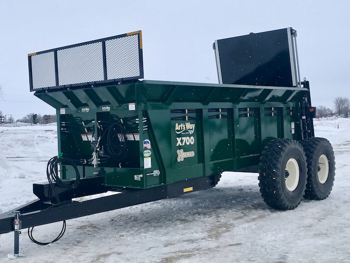 Arts Way Mfg. X700/X900 Manure Spreader_0419