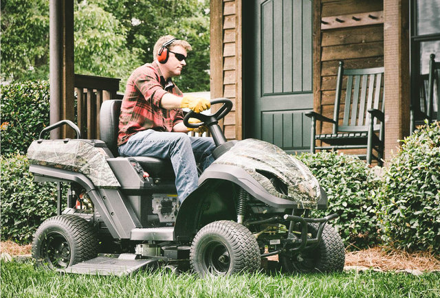 Traditional Riding Mowers Are Inefficient Relying On Belts And Pulleys To Drive The Blades Raven Mpv Is A Hybrid Does That Mean It S Cleaner Yes