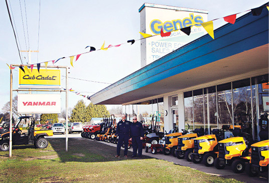 Gene's Power Equipment Exterior