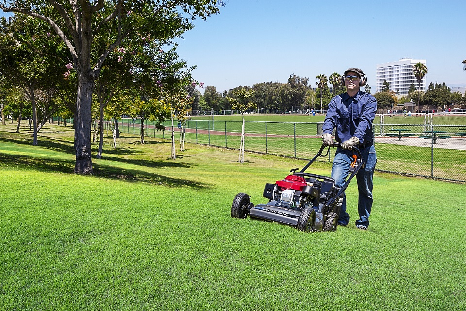 Honda Announces New Addition To HRC Commercial Mower Series